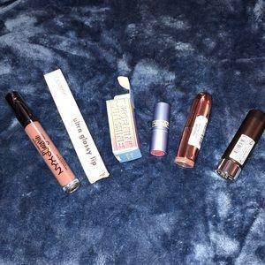 Bundle of 5 lipstick and lip gloss